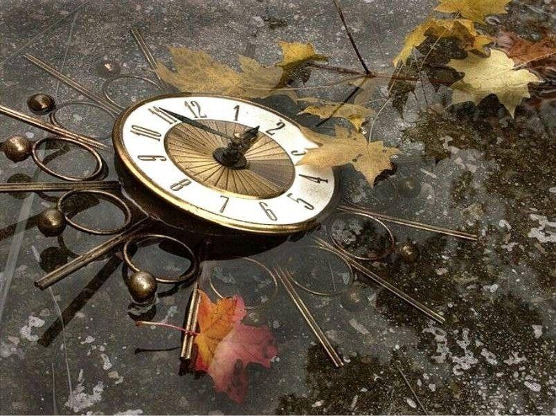 Часы остановились красивые стихи про часы остановились на различные темы: чтоб я покинул угол как можно поскорей и смог еще с ребятами успеть сыграть в хоккей.